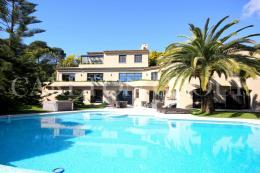 Maison Cannes &bull; <span class='offer-area-number'>400</span> m² environ &bull; <span class='offer-rooms-number'>8</span> pièces
