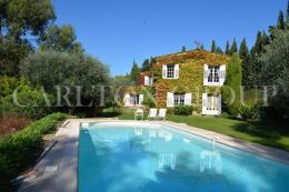 Maison Mouans Sartoux &bull; <span class='offer-area-number'>400</span> m² environ &bull; <span class='offer-rooms-number'>10</span> pièces