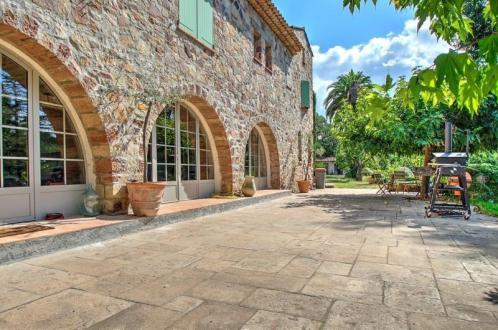 Maison de luxe à vendre FREJUS, 250 m², 5 Chambres, 1300000€