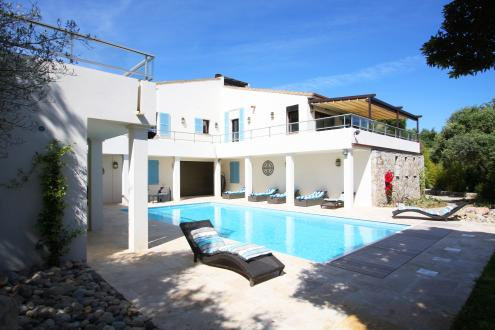 Luxus-Villa zu verkaufen CALVI, 285 m², 3 Schlafzimmer, 1280000€