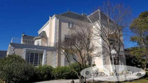 Luxus-Schloss / Herrenhaus zu verkaufen PEZENAS, 650 m², 9 Schlafzimmer, 1495000€