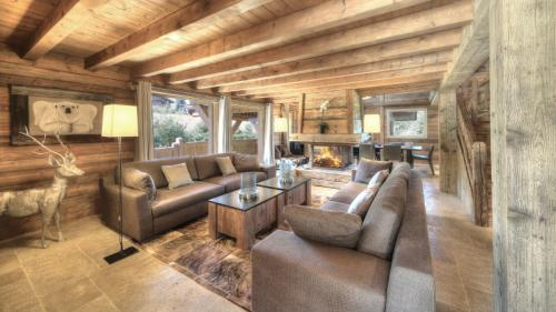 Luxury Chalet for rent MEGEVE, 400 m², 6 Bedrooms,
