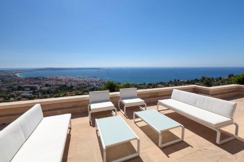 Luxury House for rent LE GOLFE JUAN, 300 m², 5 Bedrooms,