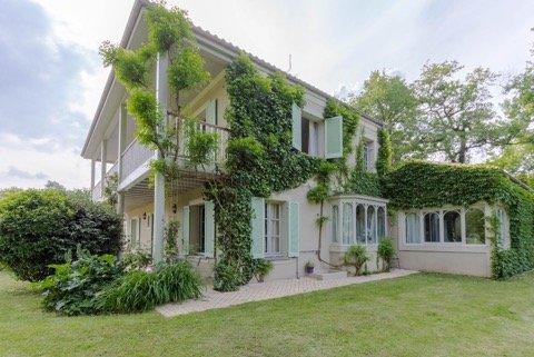 Casa di lusso in vendita LATRESNE, 222 m², 5 Camere