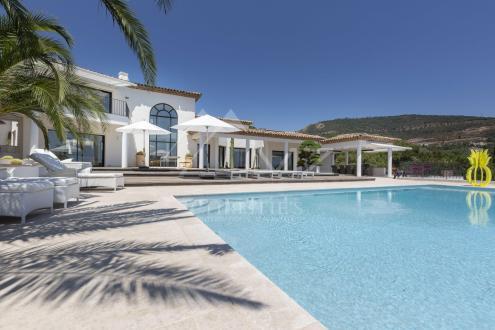 Villa de luxe à vendre GRIMAUD, 420 m², 4 Chambres, 3950000€