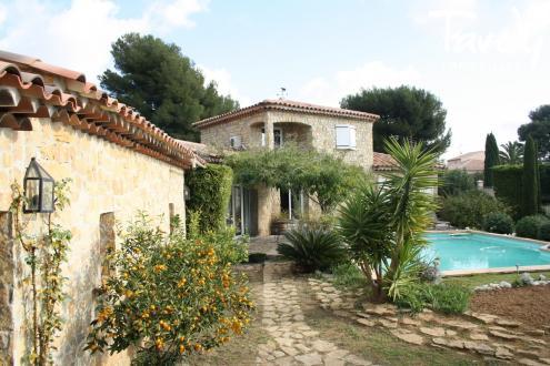 Luxury House for sale SAINT CYR SUR MER, 221 m², 5 Bedrooms, €1350000