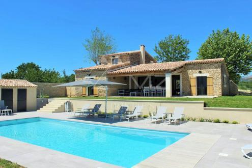 Maison de luxe à louer GORDES, 200 m², 5 Chambres,
