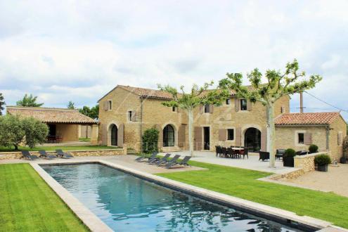 Maison de luxe à louer OPPEDE, 200 m², 4 Chambres