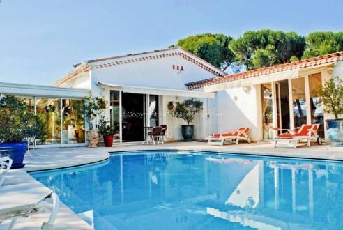 Maison de luxe à louer CANNES LA BOCCA, 158 m², 3 Chambres