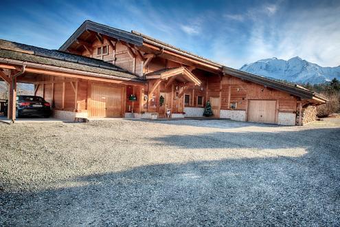 Chalet de luxe à vendre COMBLOUX, 250 m², 5 Chambres, 1195000€