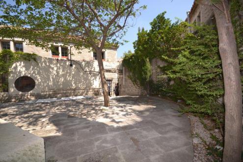 Дом класса люкс на продажу  Ле-Бо-Де-Прованс, 1160000€