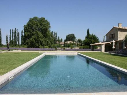 Luxury House for rent OPPEDE, 600 m², 8 Bedrooms