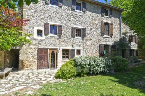 Luxus-Farm zu verkaufen BONNIEUX, 215 m², 500 Schlafzimmer, 1060000€