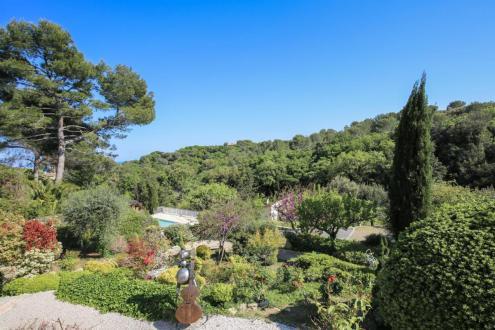 Propriété de luxe à vendre BIOT, 450 m², 4 Chambres, 2700000€