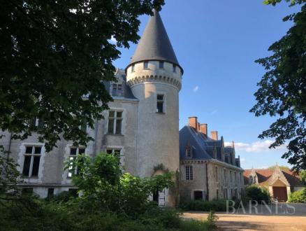Luxus-Schloss / Herrenhaus zu verkaufen BOURGES, 1200 m²