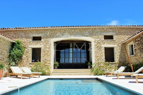 Luxury House for rent GORDES, 300 m², 3 Bedrooms,