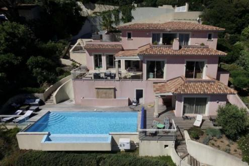 Proprietà di lusso in vendita CAVALAIRE SUR MER, 270 m², 4 Camere, 1990000€