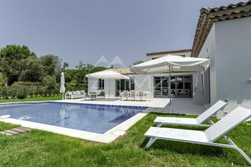 Maison de luxe à vendre SAINT TROPEZ, 212 m², 4 Chambres