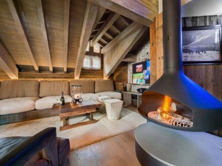 Casale di lusso in affito COURCHEVEL, 275 m², 6 Camere