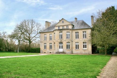 Casa di lusso in vendita CAEN, 640 m², 8 Camere