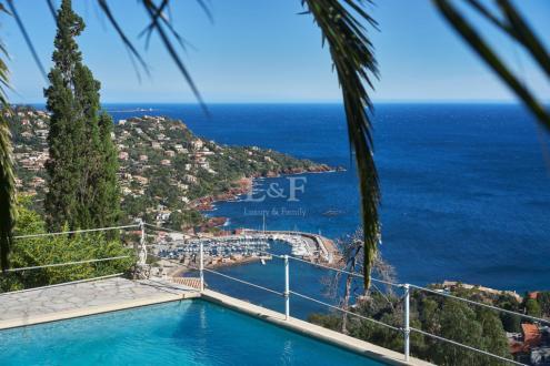 Villa de luxe à vendre THEOULE SUR MER, 247 m², 5 Chambres, 1890000€