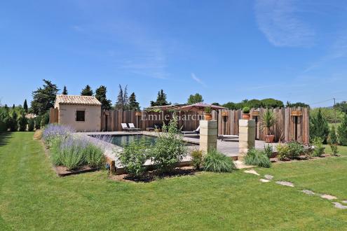 Maison de luxe à louer ROBION, 350 m², 6 Chambres,