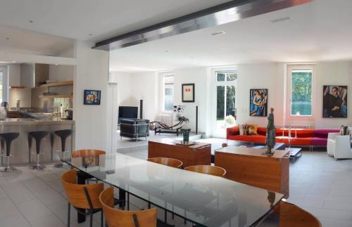 Maison de luxe à vendre Conches, 450 m²