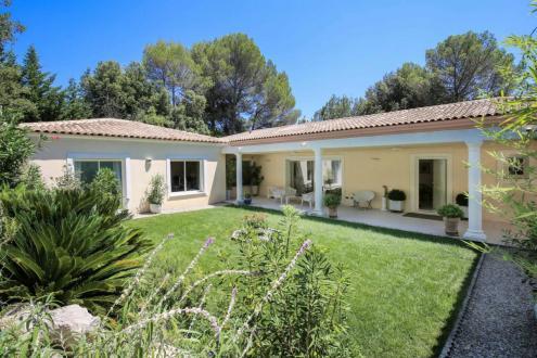 Maison de luxe à vendre VALBONNE, 240 m², 4 Chambres, 1370000€