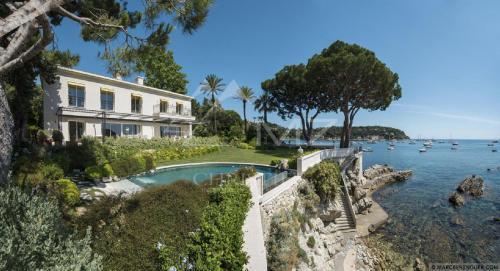 Luxury House for rent SAINT JEAN CAP FERRAT, 300 m², 5 Bedrooms