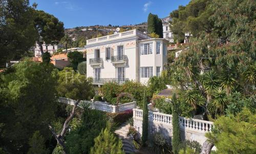 Maison de luxe à vendre CAP D'AIL, 400 m², 6 Chambres