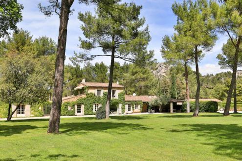 Luxury House for rent SAINT REMY DE PROVENCE, 250 m², 6 Bedrooms