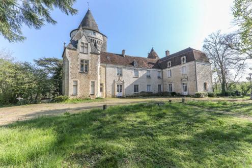 Luxus-Schloss / Herrenhaus zu verkaufen CHATEAUROUX, 815 m², 18 Schlafzimmer, 1170000€