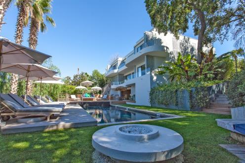 Maison de luxe à louer CAP D'ANTIBES, 400 m², 7 Chambres