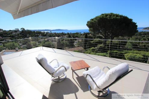 Propriété de luxe à vendre CAVALAIRE SUR MER, 220 m², 5 Chambres, 1575000€