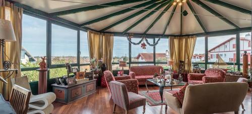 Casa di lusso in vendita GUETHARY, 240 m², 6 Camere, 1995000€