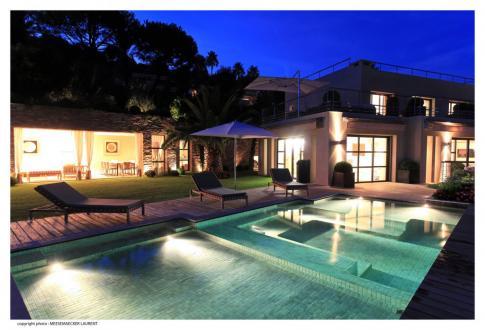 Maison de luxe à vendre CANNES, 400 m²