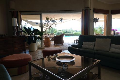 Вилла класса люкс на продажу  LECCI, 260 м², 5 Спальни