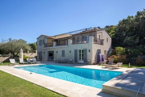 Maison de luxe à louer SAINT TROPEZ, 250 m², 6 Chambres,