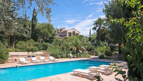 Maison de luxe à louer SAINT TROPEZ, 550 m², 7 Chambres