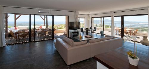 Поместье класса люкс на продажу  Порто-Веккио, 650 м², 8 Спальни