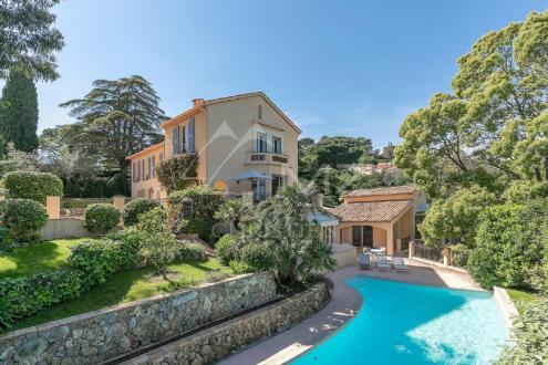 Casa di lusso in vendita CANNES, 400 m², 5 Camere