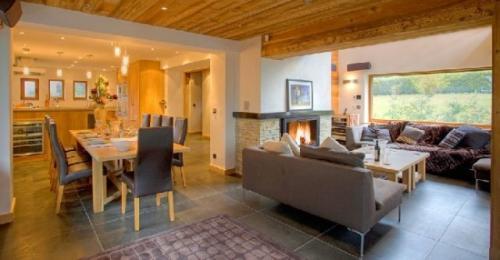 Шале класса люкс в аренду Шамони-Монблан, 280 м², 6 Спальни,