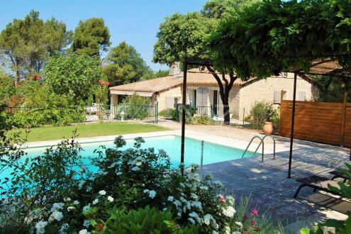 Maison de luxe à louer MENERBES, 160 m², 3 Chambres