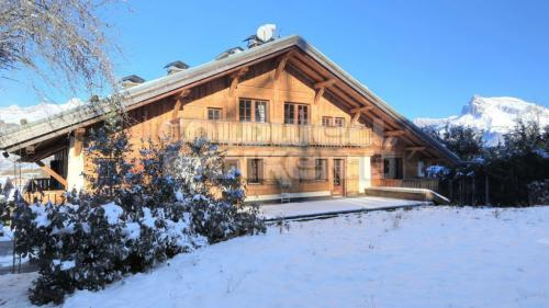 Luxury Chalet for sale DEMI QUARTIER, 1035 m², 13 Bedrooms, € 8 900 000