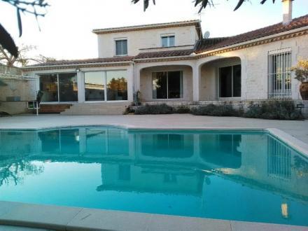 Luxus-Liegenschaft zu verkaufen ARLES, 240 m², 5 Schlafzimmer, 720800€