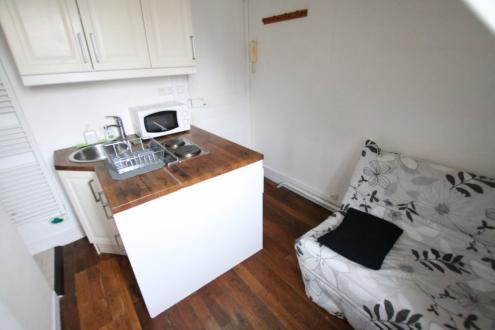 Luxury Apartment for rent PARIS 16E, 9 m²