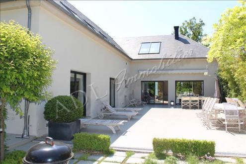 Maison de luxe à vendre LAMORLAYE, 262 m², 3 Chambres, 1870000€