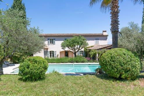 Luxury House for rent VALBONNE, 240 m², 4 Bedrooms,