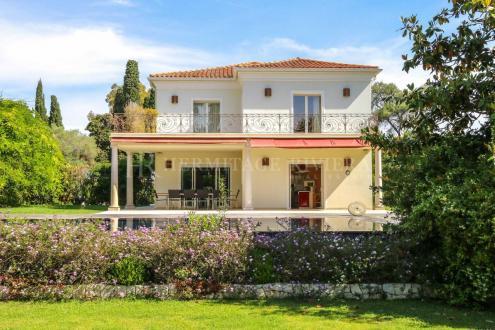Luxe Huis te huur CAP D'ANTIBES, 250 m², 4 Slaapkamers