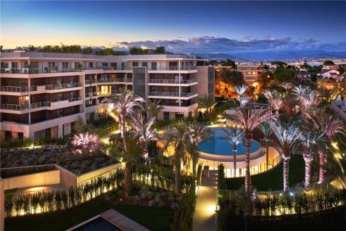 Квартира класса люкс на продажу  Кап д'Антиб, 43189 м², 1 Спальни, 587500€